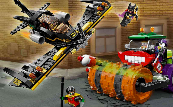 LEGO_Batwing_and_Joker_Steamroller